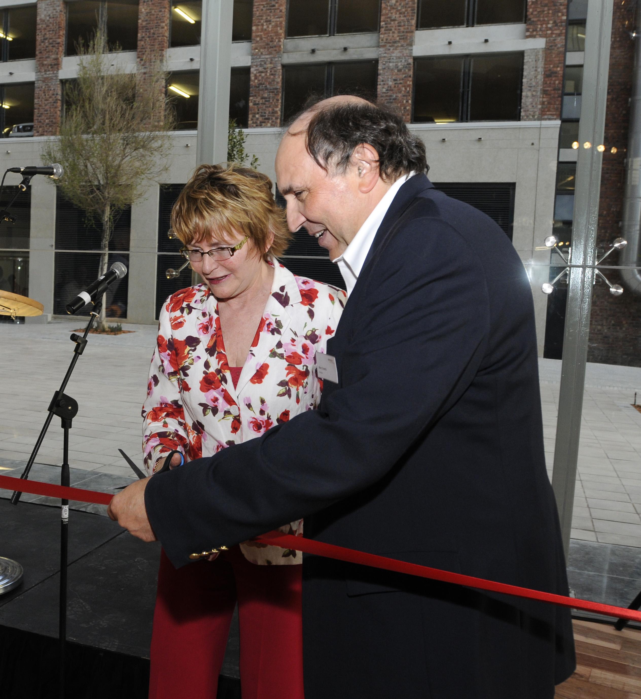 Amazon Launch Cape Town 29 Aug 2011 Pics Hetty Zantman